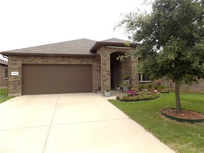 Azle Single Family Home For Sale: 1117 New Meadow Drive