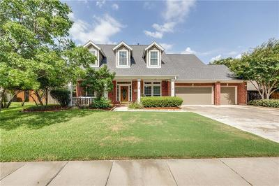 Grapevine Single Family Home For Sale: 2711 Pebble Stone