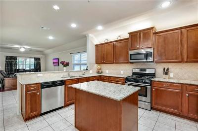 Grand Prairie Single Family Home For Sale: 6947 Alcala