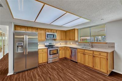 Arlington Single Family Home For Sale: 5802 Sagebrush Trail