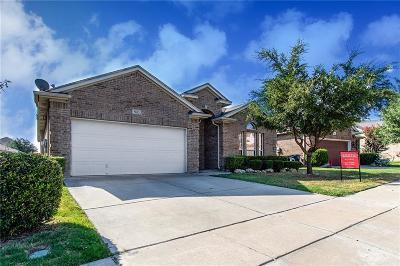 Fort Worth Single Family Home For Sale: 5832 Barrier Reef Drive