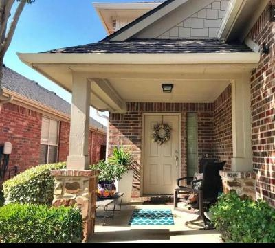 Lantana Single Family Home For Sale: 347 Kirby Drive