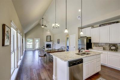 Single Family Home For Sale: 908 Eagle Creek Trail