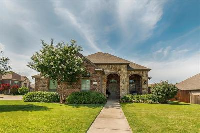 Kennedale Single Family Home For Sale: 316 Autumnwood Court