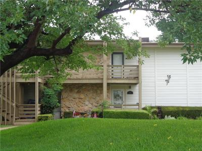 Parker County, Tarrant County, Hood County, Wise County Condo For Sale: 112 Harbor Drive #212
