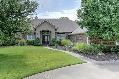 Granbury Single Family Home For Sale: 6401 Colonial Drive
