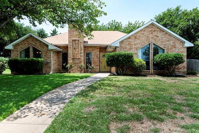 Desoto Single Family Home Active Option Contract: 135 N Beltwoods Drive