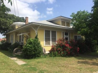 Brownwood Multi Family Home For Sale: 1709 Avenue C