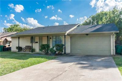 Lewisville Single Family Home For Sale: 144 Ridgeway Circle