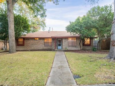 Desoto Single Family Home For Sale: 540 Bayberry Lane