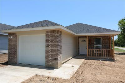 Cleburne Single Family Home For Sale: 216 Mechanic