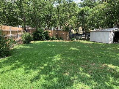 Grand Prairie Single Family Home For Sale: 701 SW 5th Street