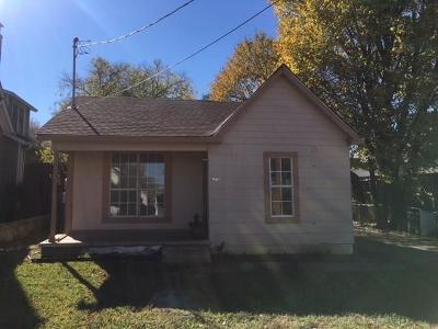 Grapevine Single Family Home For Sale: 620 E Estill Street