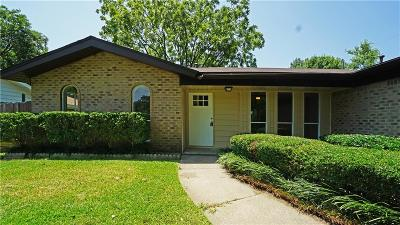 Tarrant County Single Family Home For Sale: 2002 Cottie Lane