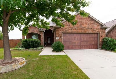 McKinney Single Family Home For Sale: 705 Golden Bear Lane
