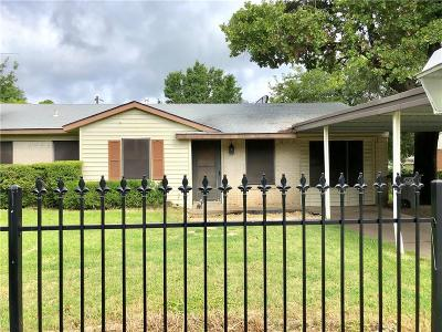 Balch Springs Single Family Home For Sale: 4321 Mohawk Drive