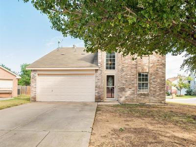 Fort Worth Single Family Home For Sale: 4145 Heritage Way Drive