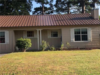 Van Single Family Home Active Contingent: 239 W Kansas