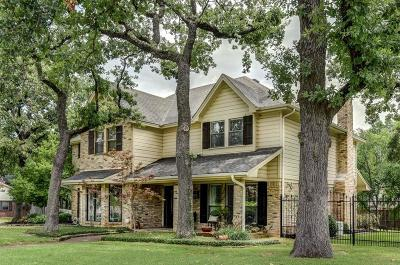 Trophy Club Single Family Home For Sale: 19 Meadowbrook Lane