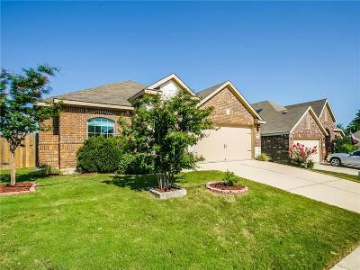 Fort Worth Single Family Home For Sale: 6329 Chalk Hollow Drive