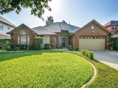 Grapevine Single Family Home For Sale: 2057 Willowood Drive
