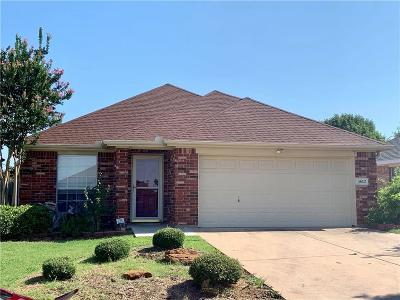 Fort Worth Single Family Home For Sale: 5612 Hawkshaw Court