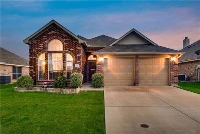 Forney Single Family Home For Sale: 617 Tumbleweed