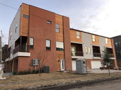 Townhouse For Sale: 1931 N Prairie Avenue #102