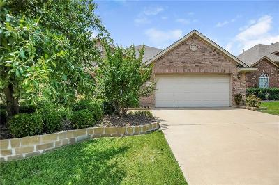Fort Worth Single Family Home For Sale: 10421 Stoneside Trail