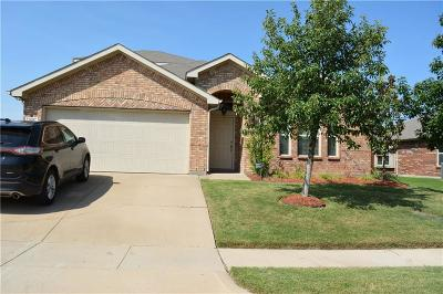 Burleson Single Family Home For Sale: 332 Pin Cushion Trail