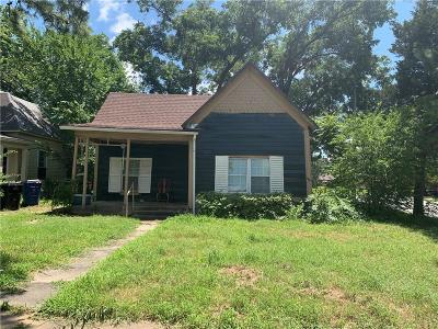 Grayson County Single Family Home For Sale: 530 W Hull Street