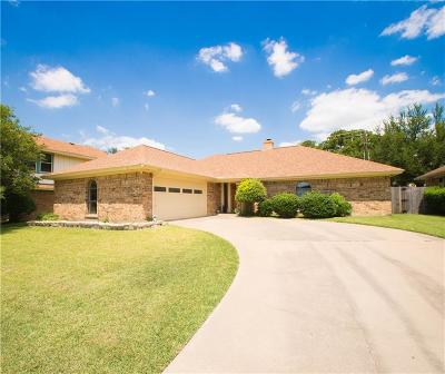 Bedford Single Family Home For Sale: 3712 Rolling Meadows Drive