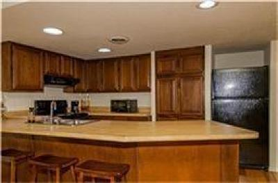 Condo Active Option Contract: 426 Yacht Club Drive #A