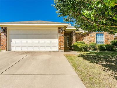 Burleson Single Family Home For Sale: 639 Ridgehill Drive
