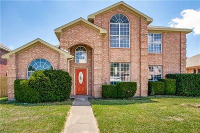 Cedar Hill Single Family Home For Sale: 215 N Waterford Oaks Drive