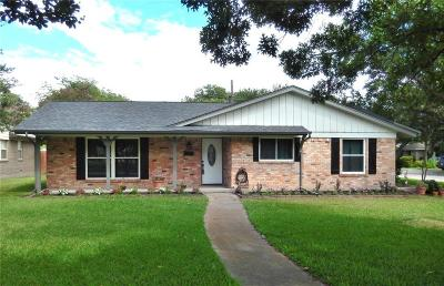 Richardson Single Family Home For Sale: 407 S Weatherred Drive