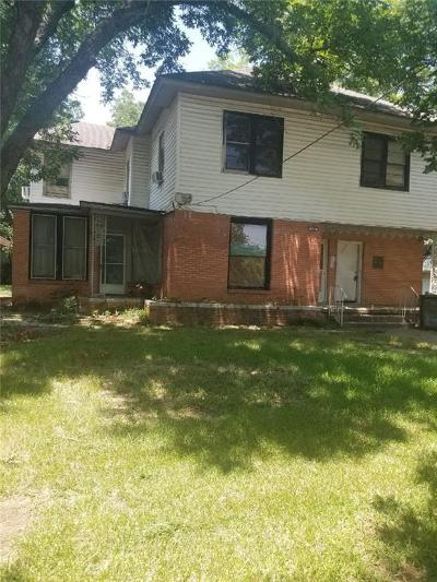 Johnson County Multi Family Home Active Option Contract: 606 S Walnut Street