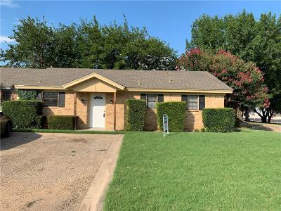 Johnson County Condo For Sale: 1520 Crestridge Drive #B