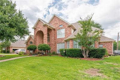 Arlington Single Family Home For Sale: 3707 Blue Forest Drive