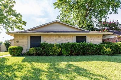 Garland Single Family Home For Sale: 325 Elmwood Drive