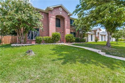 Cedar Hill Single Family Home For Sale: 1320 Scott Drive