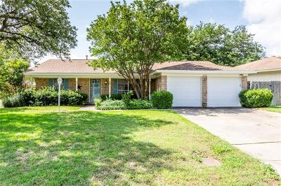 Fort Worth Single Family Home For Sale: 4912 Emerald Lake Drive
