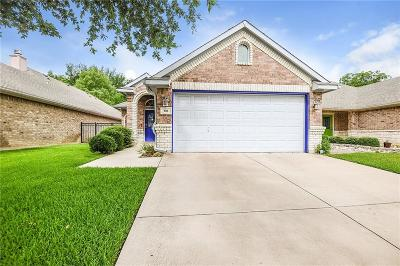 Fort Worth Single Family Home For Sale: 816 Claycourt Circle