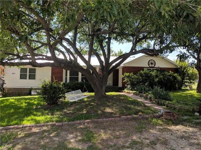 Hamilton TX Single Family Home For Sale: $135,000