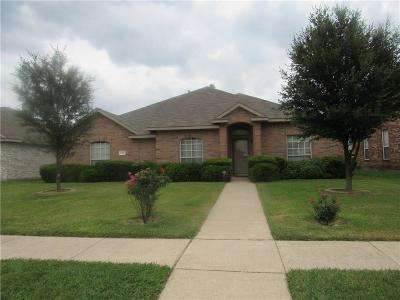 Single Family Home For Sale: 1134 Suffolk Lane