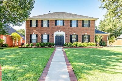 Denton County Single Family Home For Sale: 8 Rolling Hills Circle