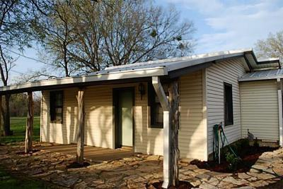 Johnson County Single Family Home For Sale: 704 S Brazos Avenue
