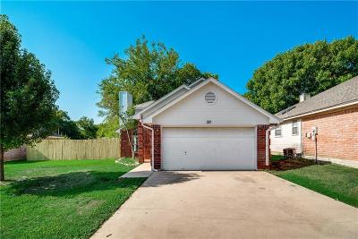 Crowley TX Single Family Home For Sale: $195,000