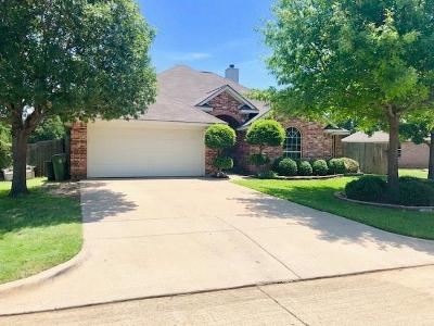 Hurst Single Family Home Active Option Contract: 220 Blossom Lane