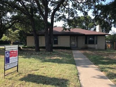 Dallas County, Denton County, Collin County, Cooke County, Grayson County, Jack County, Johnson County, Palo Pinto County, Parker County, Tarrant County, Wise County Single Family Home For Sale: 1538 Timber Lane